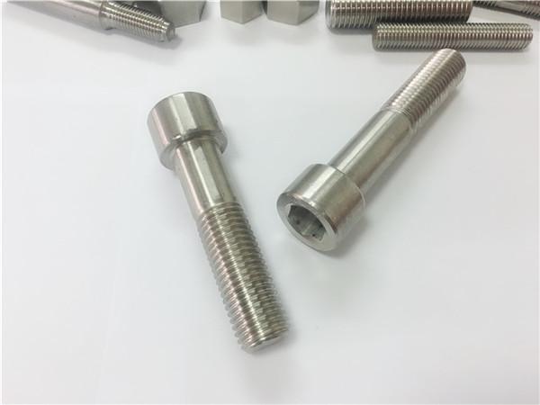 alloy625-ruuvit, ruuvi, n. 2.4856